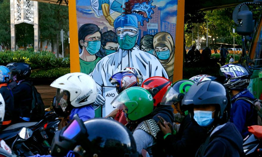 Indonesia shortens year-end holiday to contain coronavirus outbreak