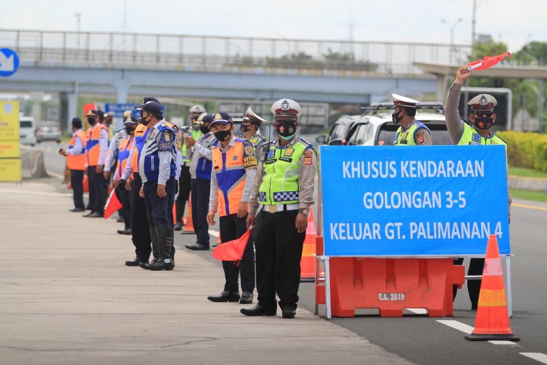 Ten dead after Cipali toll road collision