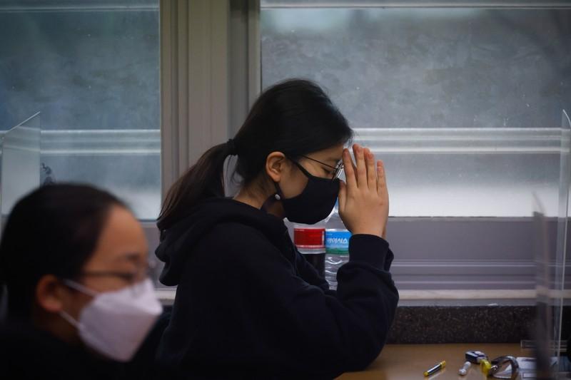 首尔新增确诊再创纪录 ‧ 61张重症床位仅剩八张
