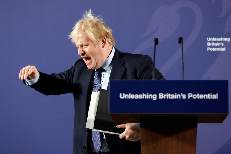 UK, EU leaders plan last-ditch Brexit chat