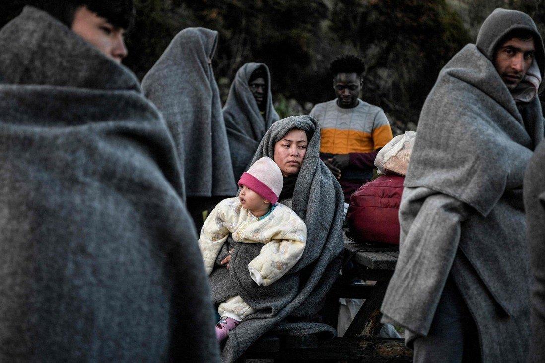 Italian police break up migrant trafficking ring, arrest 19