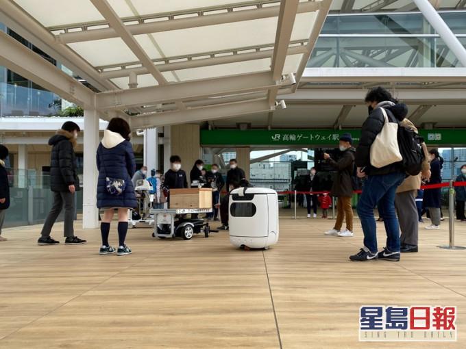 港产机械人成功打入日本市场 提供多行业客户服务广受欢迎