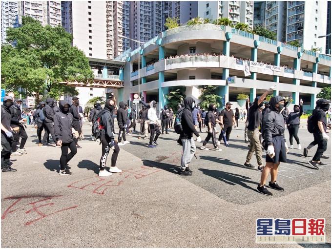 侍应尚德邨涉藏怀疑电枪 警供称可发出黄色电光