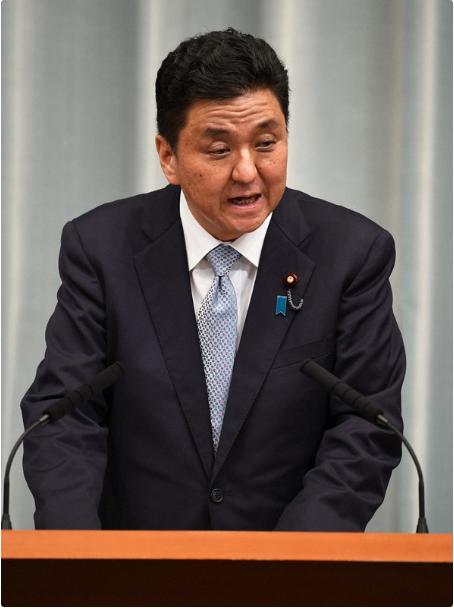 """安倍陷""""赏樱会""""丑闻 胞弟发声:他有责任向民众说明"""