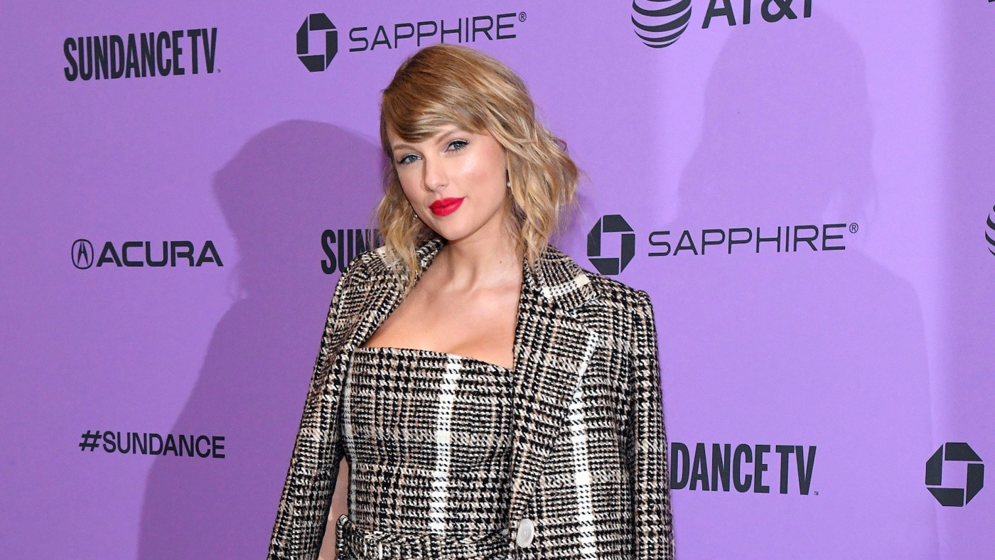 Taylor Swift Gives $13,000 to Two Moms Struggling Financially Amid Pandemic