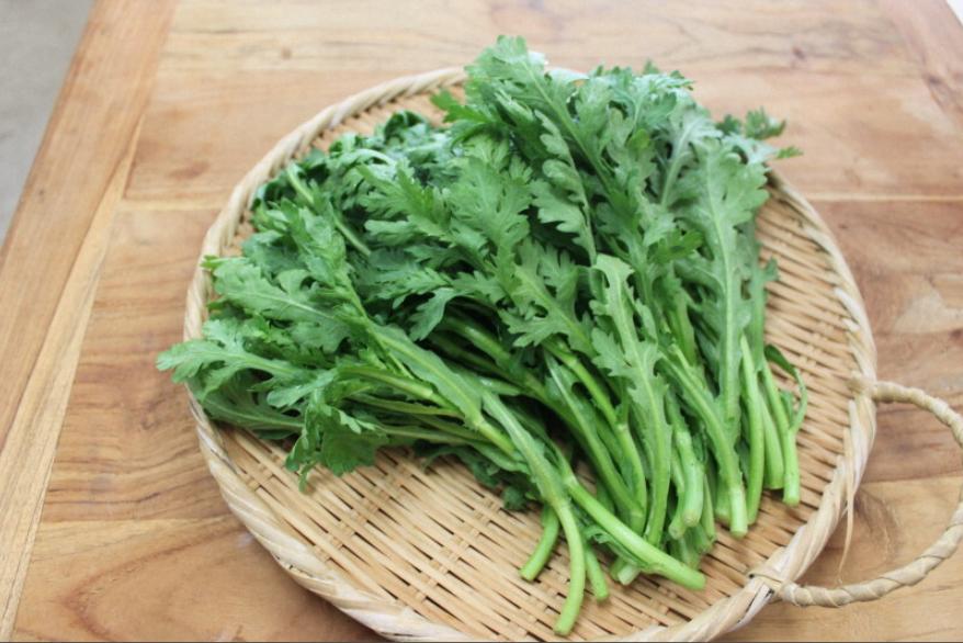 日本现问题茼蒿 农药残留超标180倍 至少在4家商店销售