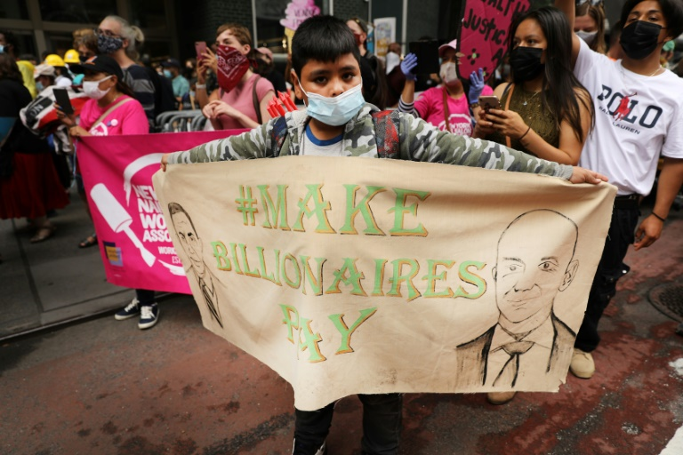 Wealth of US billionaires soars during pandemic
