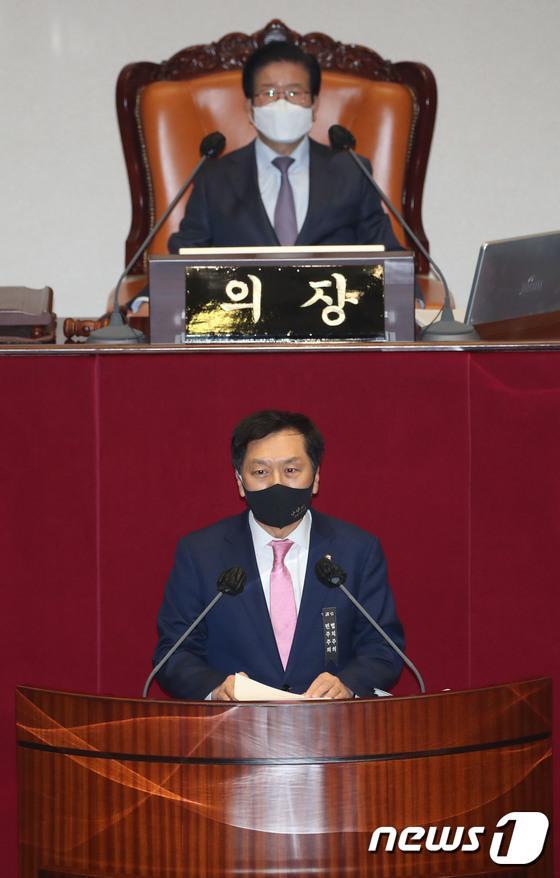 韩国在野党议员阻扰立法:穿尿不湿演说 一口气讲到午夜