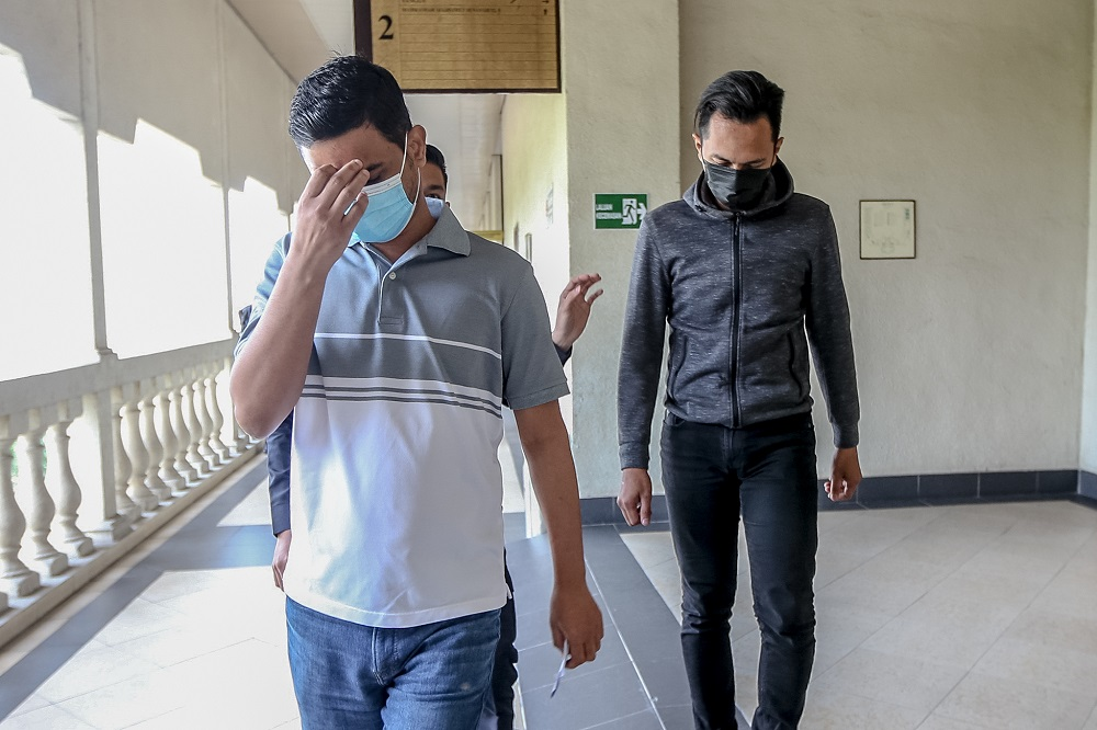Pakistani jailed after admitting giving RM12,500 bribe to immigration officer to help 21 overstaying foreigners leave Malaysia