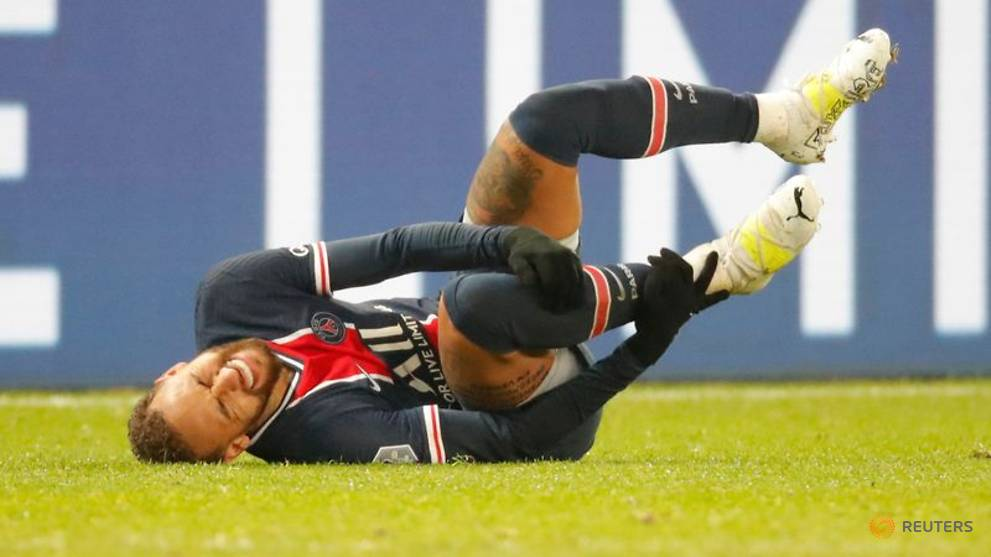 Football: PSG lose at home to Lyon, surrender top spot to Lille