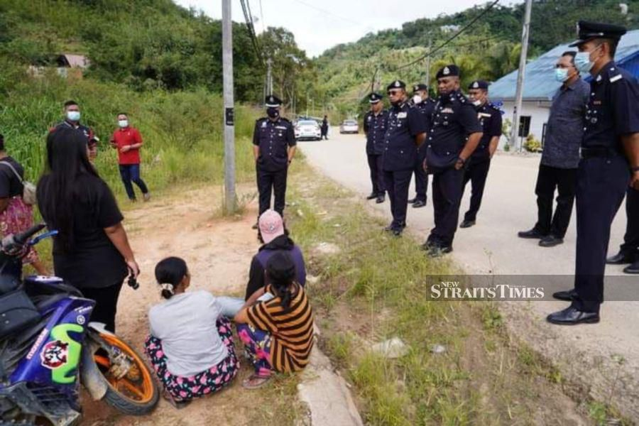 Jealous Orang Asli man tried to commit suicide after he strangled his wife