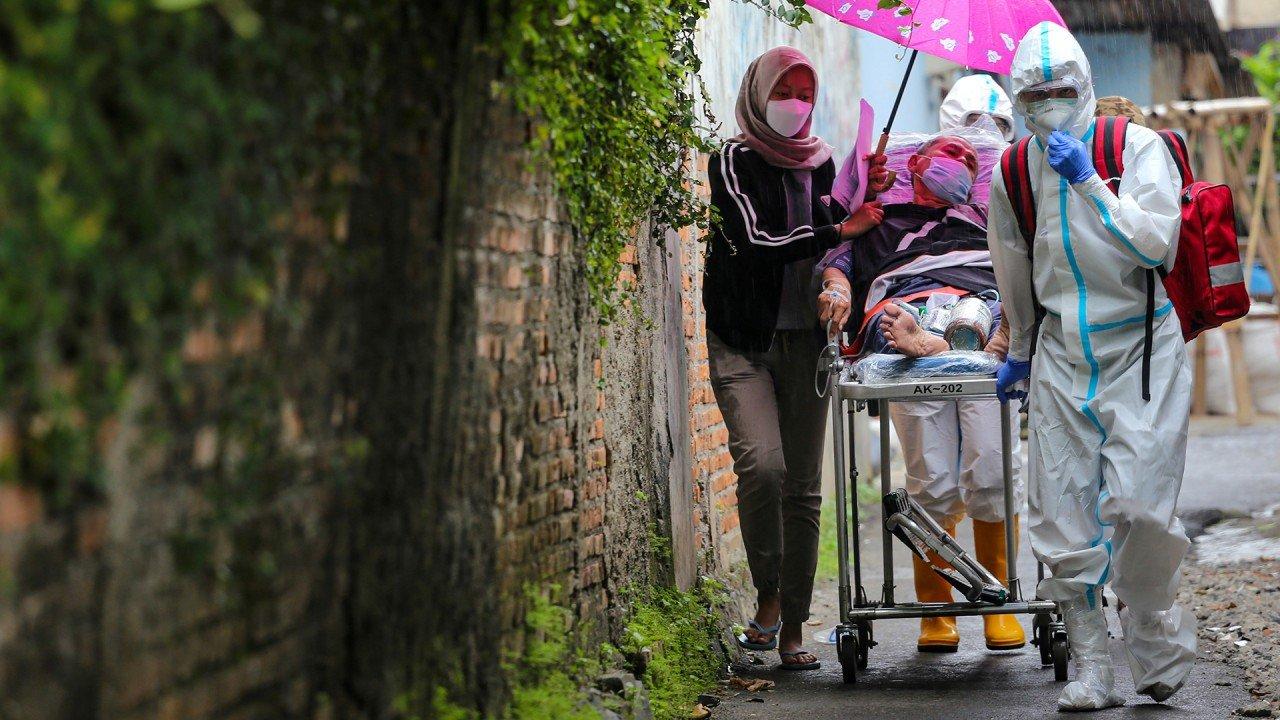 Coronavirus: Cambodia 'not shunning' China vaccines