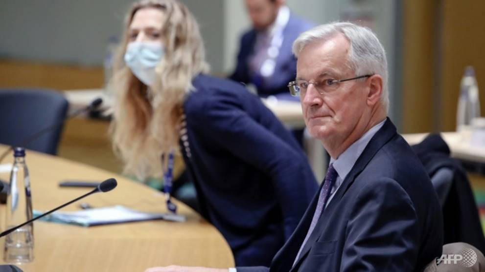 UK, EU leaders talk as MEPs press Brexit talks deadline