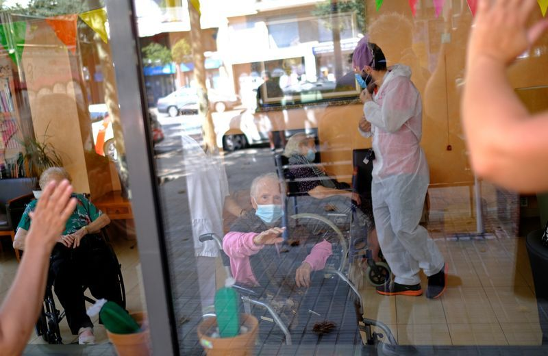 Spain's supreme court orders probe into nursing home covid-19 deaths
