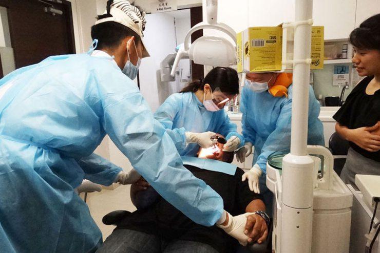 狮城医护员 本周三起接种疫苗