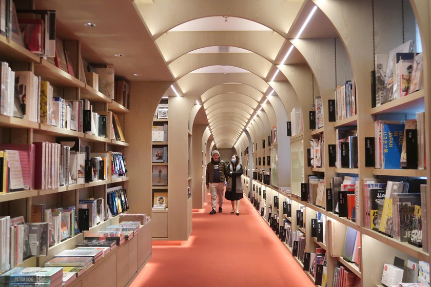 Gallery: Book Retailer Opens a New Chapter in Shanghai