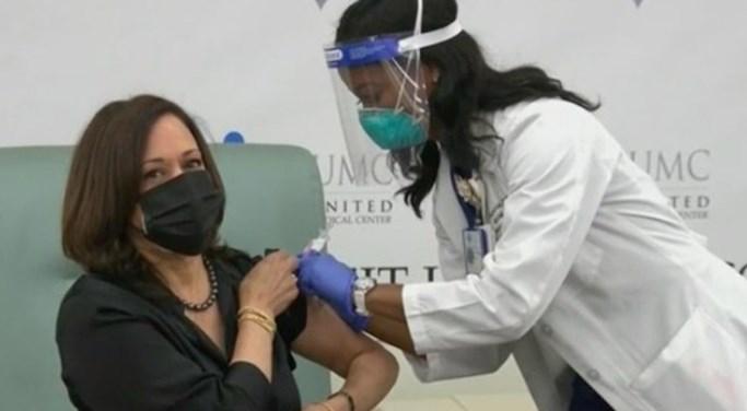 贺锦丽搁疫苗 吁民众为己为人注射