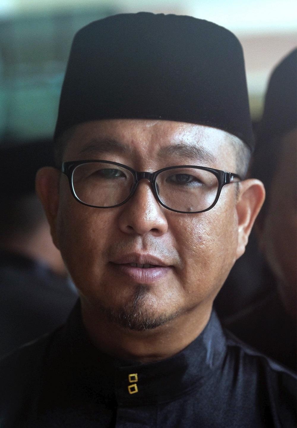 Ex-PKR, independent assemblyman for Rembia joins Umno