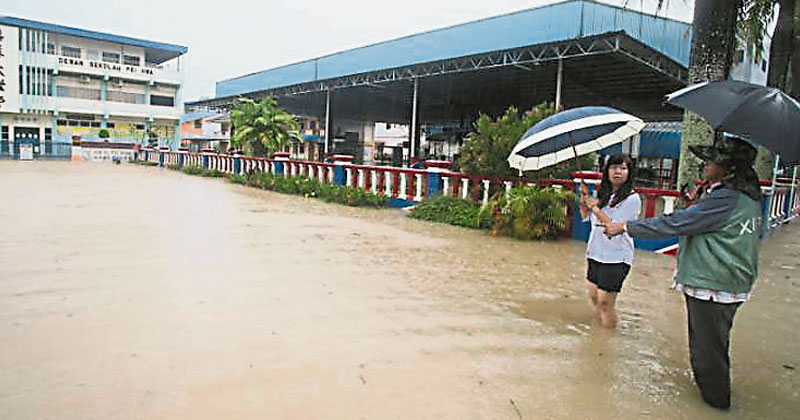 连日雨加涨潮低洼区水灾 哥市培华华小淹水了