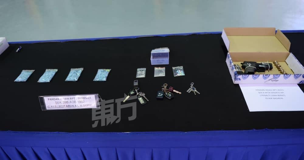 警逮捕3毒贩 起值6万毒品财物