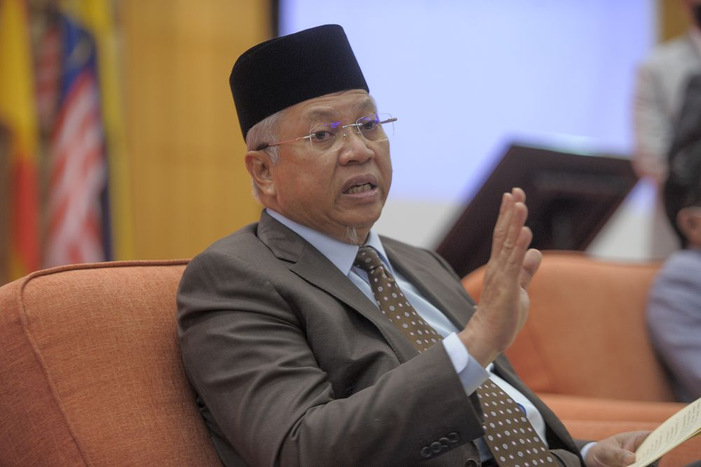 FT minister Annuar Musa says tested negative for Covid-19