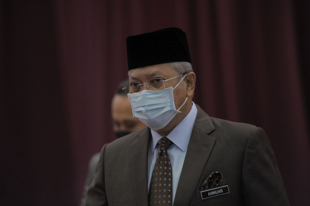 Puad Zarkashi calls out Annuar Musa over 'excuses' for another alleged MCO violation
