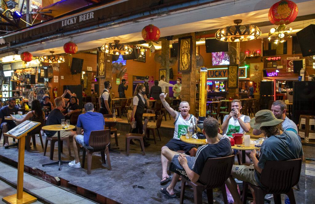 Thai nightlife clamped down amid biggest virus outbreak