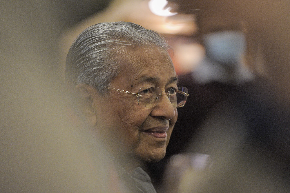 Report: Dr Mahathir insists did not tamper with judiciary in the past, unlike Najib