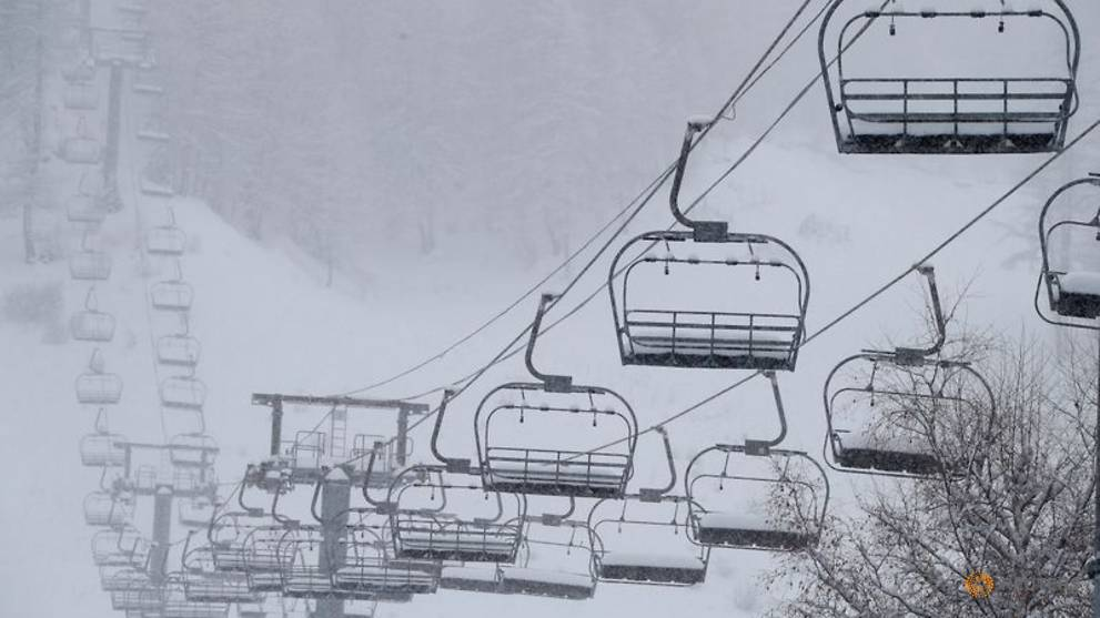 French ski resorts reopening hinges on COVID situation by January 20 - Minister
