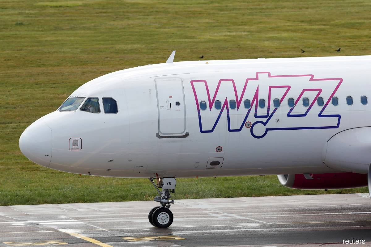 Wizz Air's biggest shareholder sells half its stake for £400 million