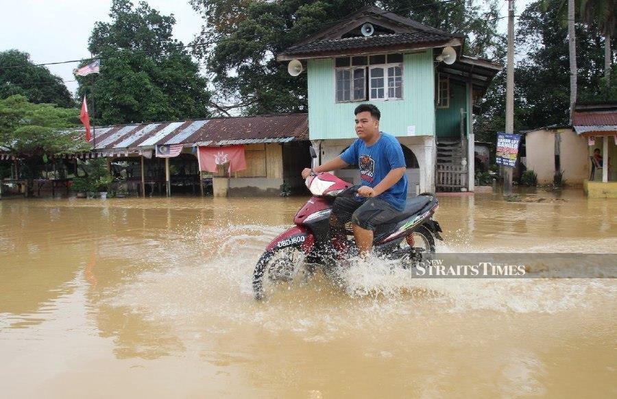 Kelantan floods ease slightly; evacuees down to 4,287