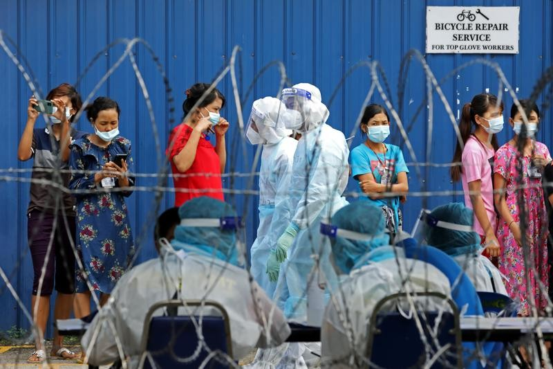 Malaysia to reimpose 2-week limited lockdown to stem virus spread