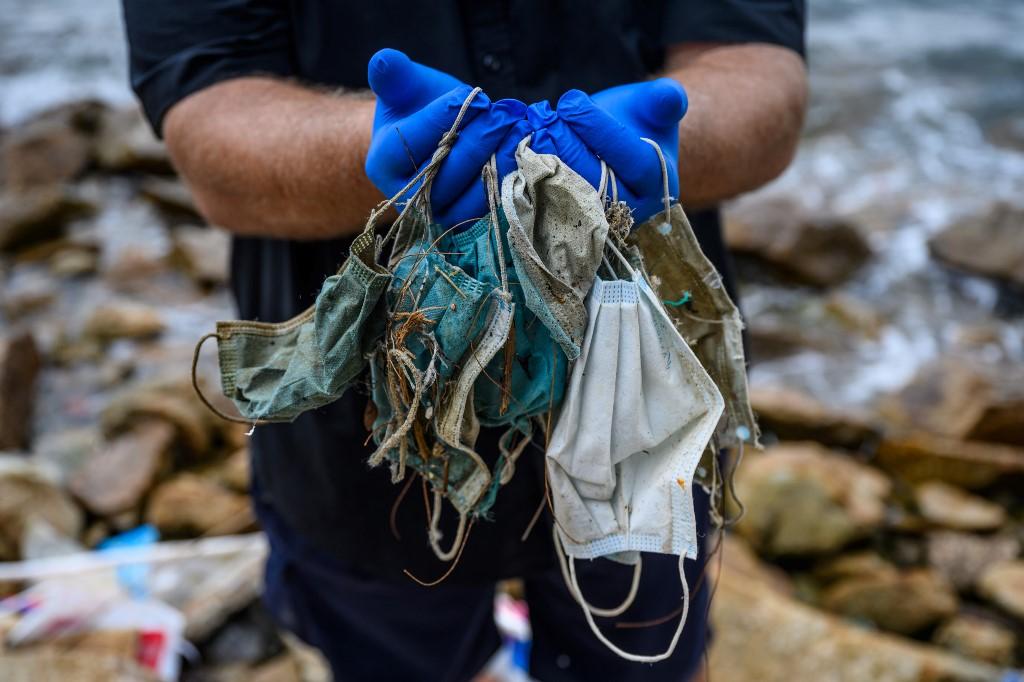 【冠状病毒19】口罩手套可救命却伤生态 流入海洋须450年分解