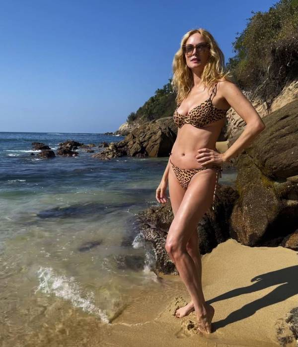 Heather Graham's intimate birthday photos with friends ignite major fan debate