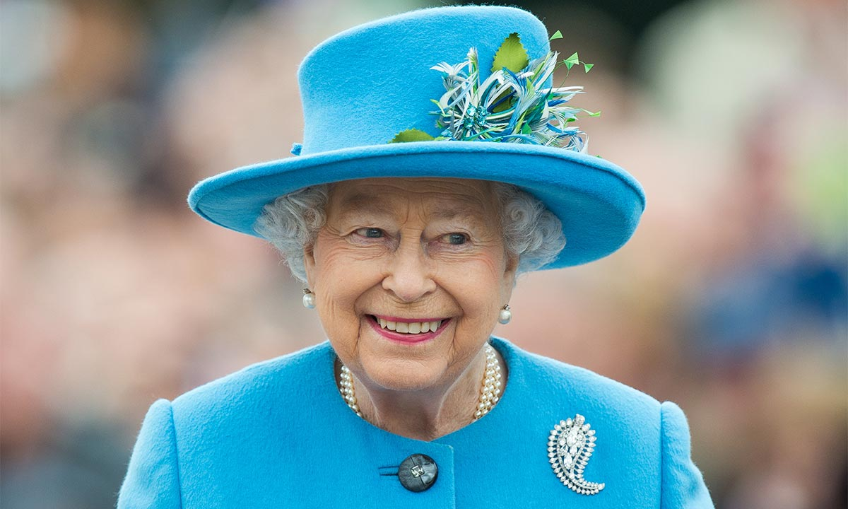 The Queen stuns in rare photo from first official visit to Australia