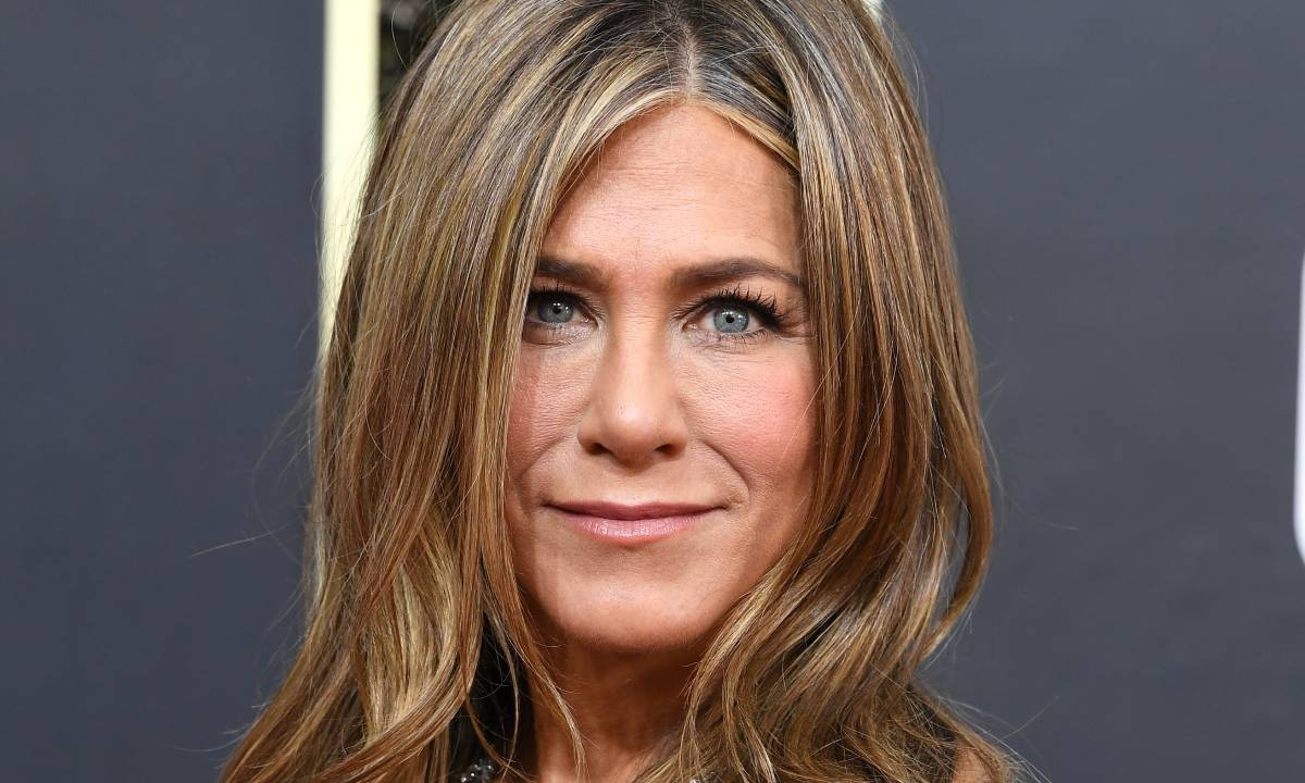 Jennifer Aniston wows in gothic outfit and wild hair in unbelievable throwback photo