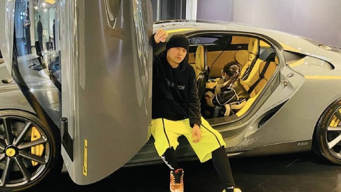 """""""Look At Who You're Dealing With"""": Jay Chou To Netizen Who Claimed The Singer Has A Child With An Air Stewardess"""
