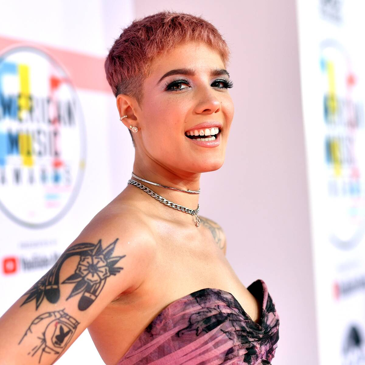 """Halsey Details How Pregnancy Has Impacted Her Body Image and Perception of Gender """"Entirely"""""""