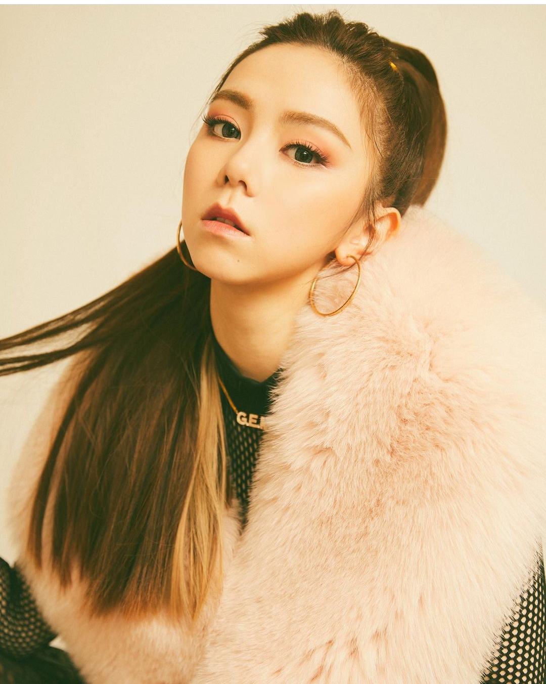 G.E.M And Her Boyfriend Accused Of Mistreating Their Staff
