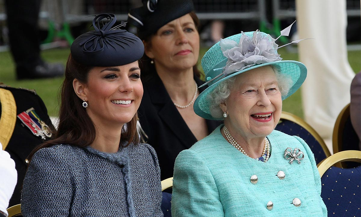 Kate Middleton adds sweet photo of the Queen to her home office