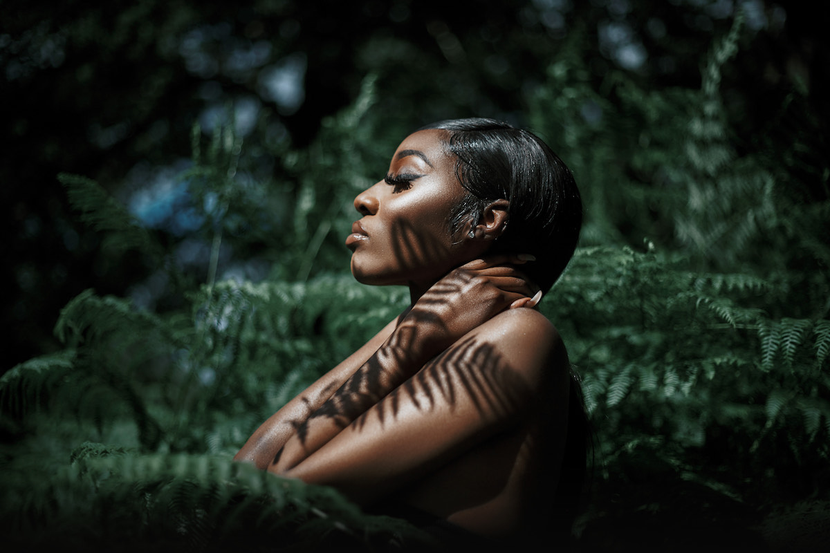 "Premiere: Skyy Stone Embraces Her Less Saintly Side On Alluring R&B Cut ""Sin"""
