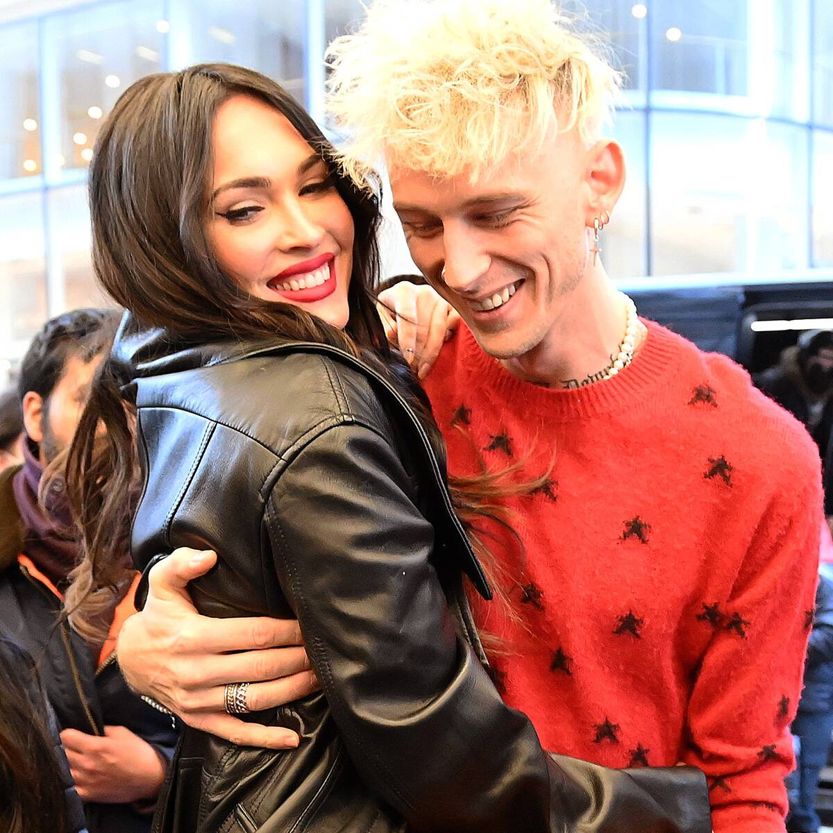 Megan Fox's Comment About Machine Gun Kelly's SNL Set Proves She's Not Here to Make Friends