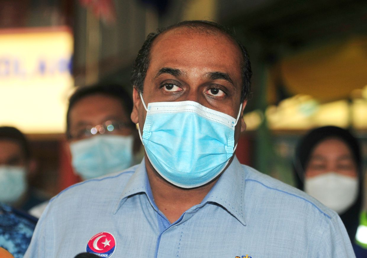 Peat fires in four districts due to dry spell, says Johor exco member