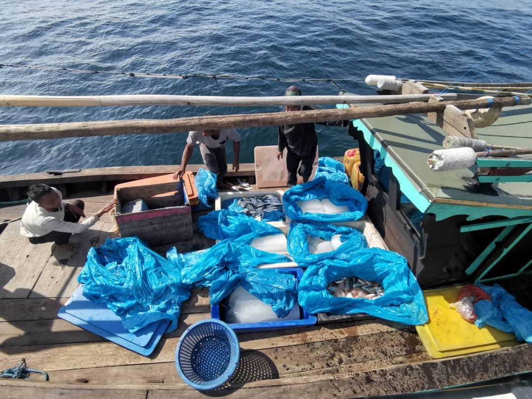 印尼渔船擅闯海域 4船员被捕