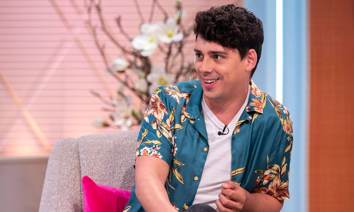 Who is Matt Richardson and why did he replace Rufus Hound on Dancing on Ice?