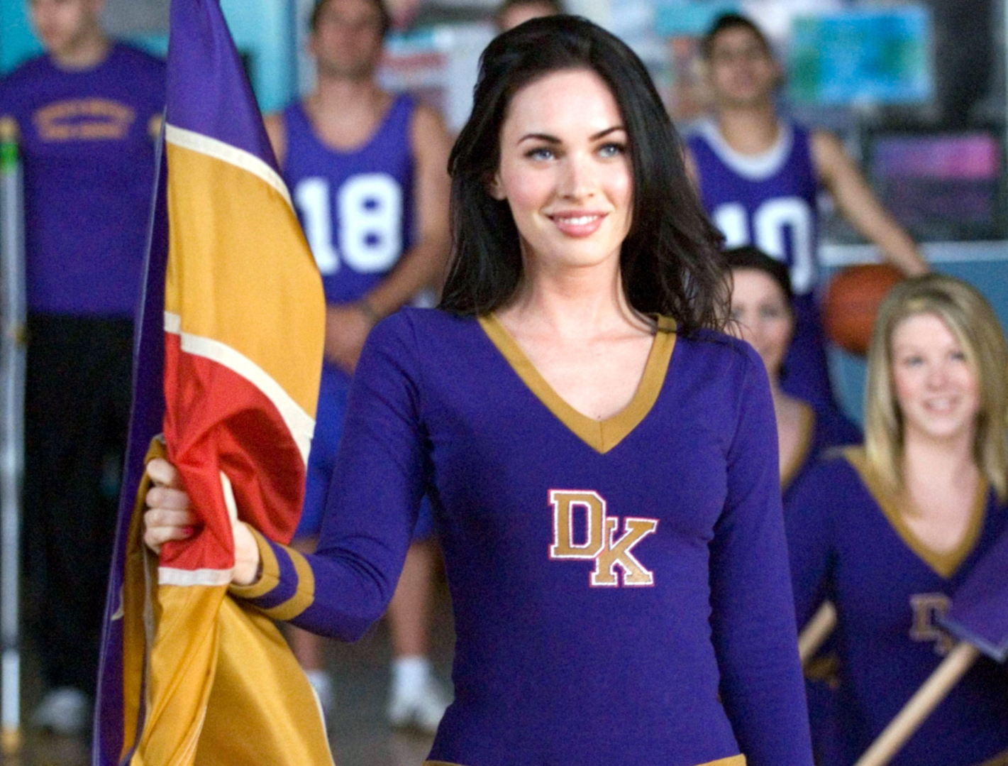 11 Celebrities Who Used to Be Cheerleaders