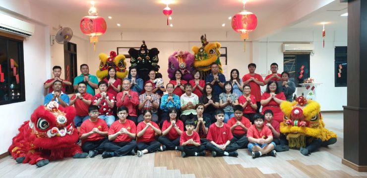 奕福榕青团瑞狮团舞狮挂红 疫情影响春节不出队