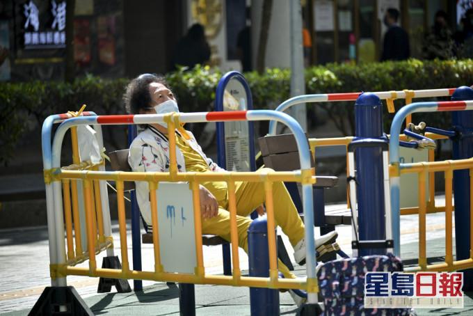 公共屋邨部分户外设施明重开 包括健体设施卵石径等