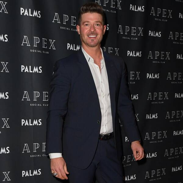 """Robin Thicke Defends """"Blurred Lines"""" Yet Again, Even After Pharrell Disavows the Song"""