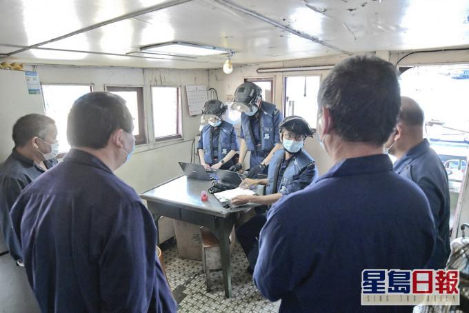 入境处船只搜查小组增6成人手助防疫 加强搜查抵港船只